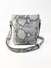 Load image into Gallery viewer, Westside Crossbody