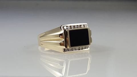 Men's 14k Onyx & diamond ring