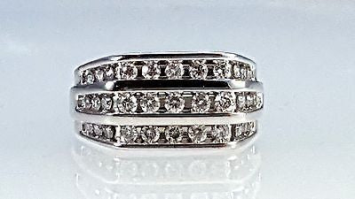 Pre-owned Men's ring 3 row chennel set diamond ring