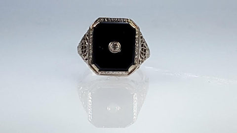 Vintage filigree Onyx ring with diamond 14k white gold