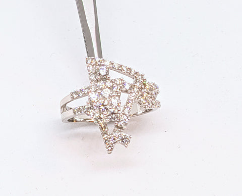 Diamond fancy ring, 18k white gold ring with 1.08ct diamonds.