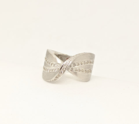Fancy twisted 18k white gold diamond ring