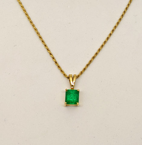 Emerald pendant, 18k Yellow gold