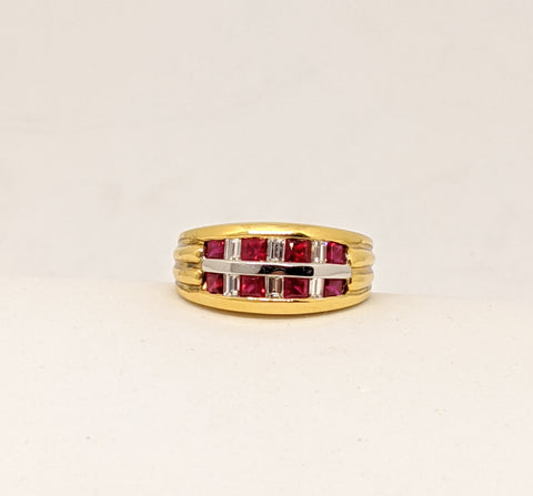Ruby & Diamond ring, Yellow gold