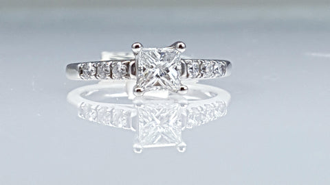 Princess cut diamond engagement ring 0.60ct