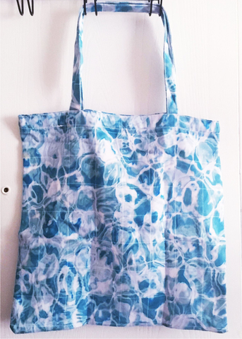 aquatic grid tote