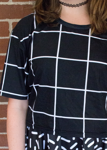black grid cropped tee