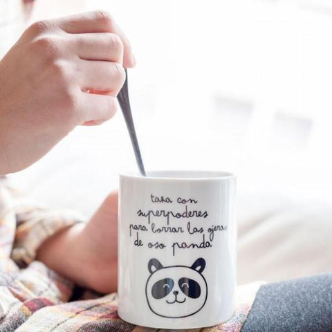"Taza con ""Superpoderes para borrar las ojeras de oso panda"" Mr. Wonderful MR.WONDERFUL- Depto51"