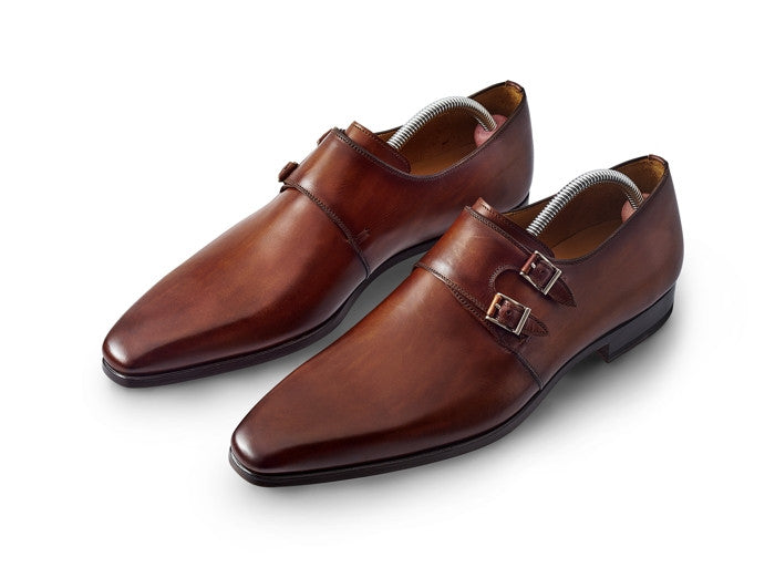 Some of the Best Monk Strap Shoes for Men. It can be hard to choose with so many kinds of single and double monk strap shoes on the market. We've whittled it down into easy sections, so you can choose which side to back in this fight of the footwear!