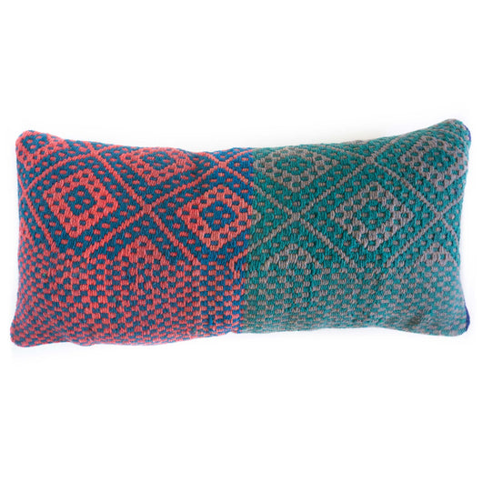 Frazada Lumbar Pillow - Rosa || Keeka Collection