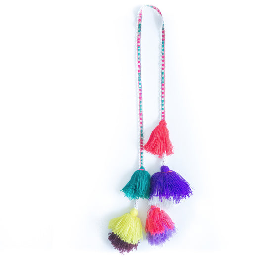 Hanging Peruvian tassel garland - Urubamba || Keeka Collection