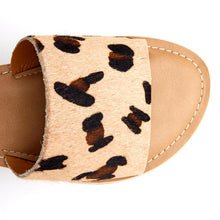 Load image into Gallery viewer, Cabana Sandal-Leopard Hair