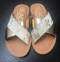 Load image into Gallery viewer, Pebble Sandal-Gold Spot