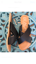 Load image into Gallery viewer, Pebble Sandal-Black