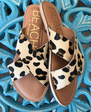 Load image into Gallery viewer, Pebble Sandal-Leopard Hair