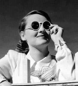 Round Sunglasses, like the one worn by Bette Davis, were popular in the 1930s.
