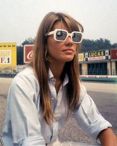 Square sunglasses frames were in style in the 1960s. Francoise Hardy wore these white square sunglasses.