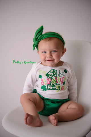 1st St. Patricks day outfit- girls My 1st St. Patrick's Day shirt- St. Patricks outfit shirt, headband, tutu and legwamers - Pretty's Bowtique