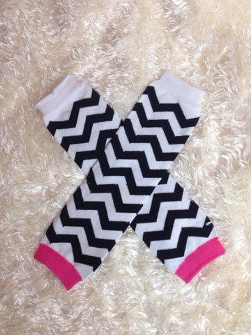 Leg Warmers-Baby leg warmers/Photo Prop Chevron Hot pink, black & white - Pretty's Bowtique