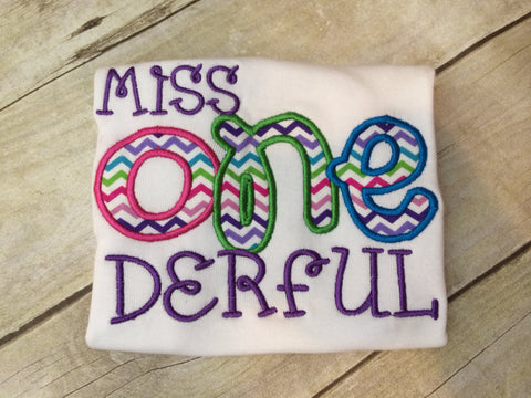 Miss Onderful can change colors fabrics etc - Pretty's Bowtique