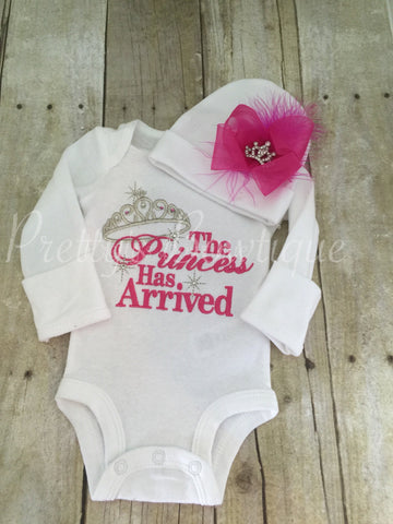 Baby Girl Coming Home Outfit -- The Princess Has Arrived Embroidery Design Bodysuit & Hat Set - Pretty's Bowtique