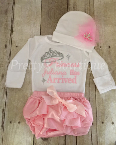 Favorite Baby Girl Coming Home Outfit -- The Princess Has Arrived  DE01