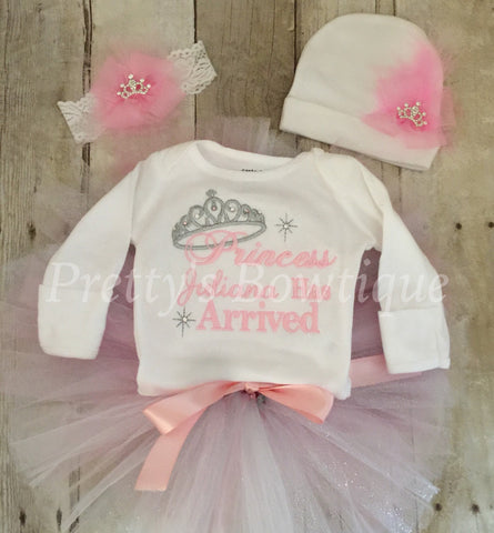 Baby Girl Coming Home Outfit -- The Princess Has Arrived Embroidery Design Bodysuit, tutu, headband & Hat Set - Pretty's Bowtique