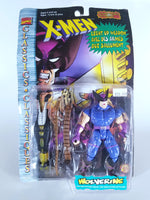 MARVEL COMICS CLASSICS: X-MEN - WOLVERINE WITH LIGHT-UP PLASMA WEAPON