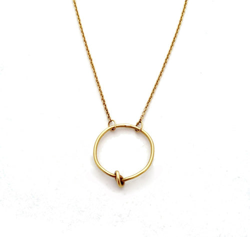 Circle Knot Necklace -  Chorthip