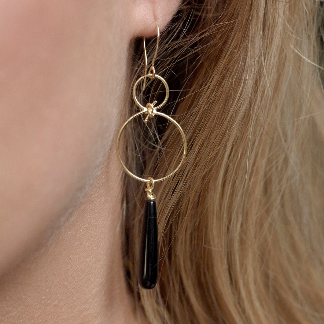 Infinity Knot with Onyx Drop Earrings - Earrings Chorthip