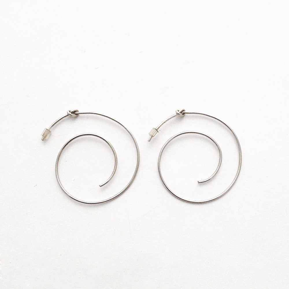Spiral Knot Hoop Earring -  Chorthip