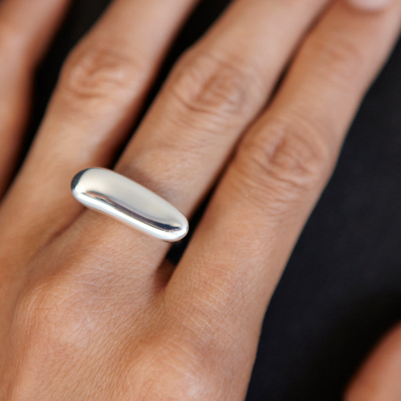 Elongated Pebble Ring - Ring Chorthip