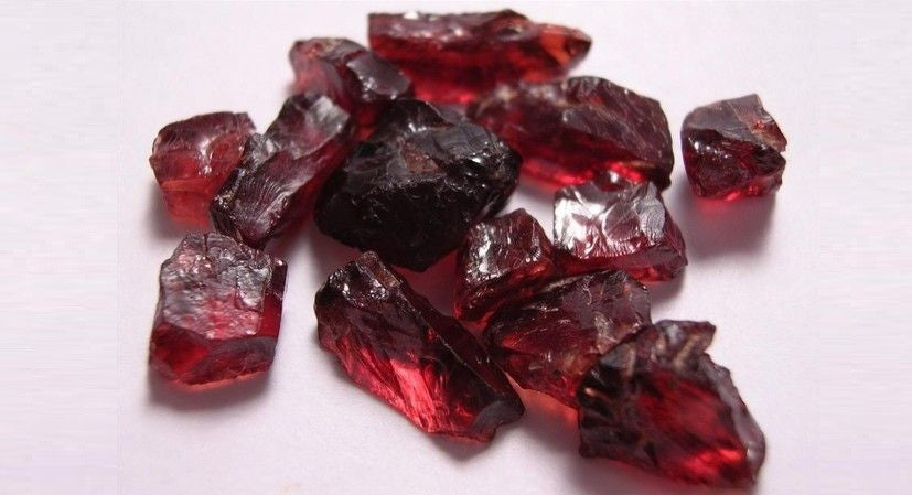 The Benefits Of Garnet, the January Birthstone