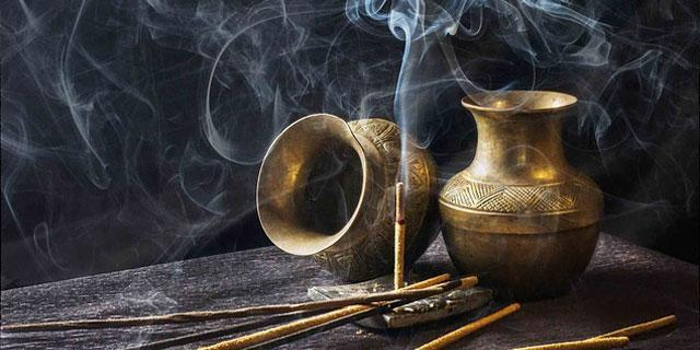 Benefits Of Sandalwood Incense and Essential Oils
