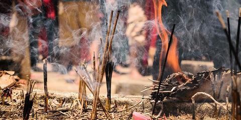 Benefits Of Sandalwood Incense and Essential Oils – Third