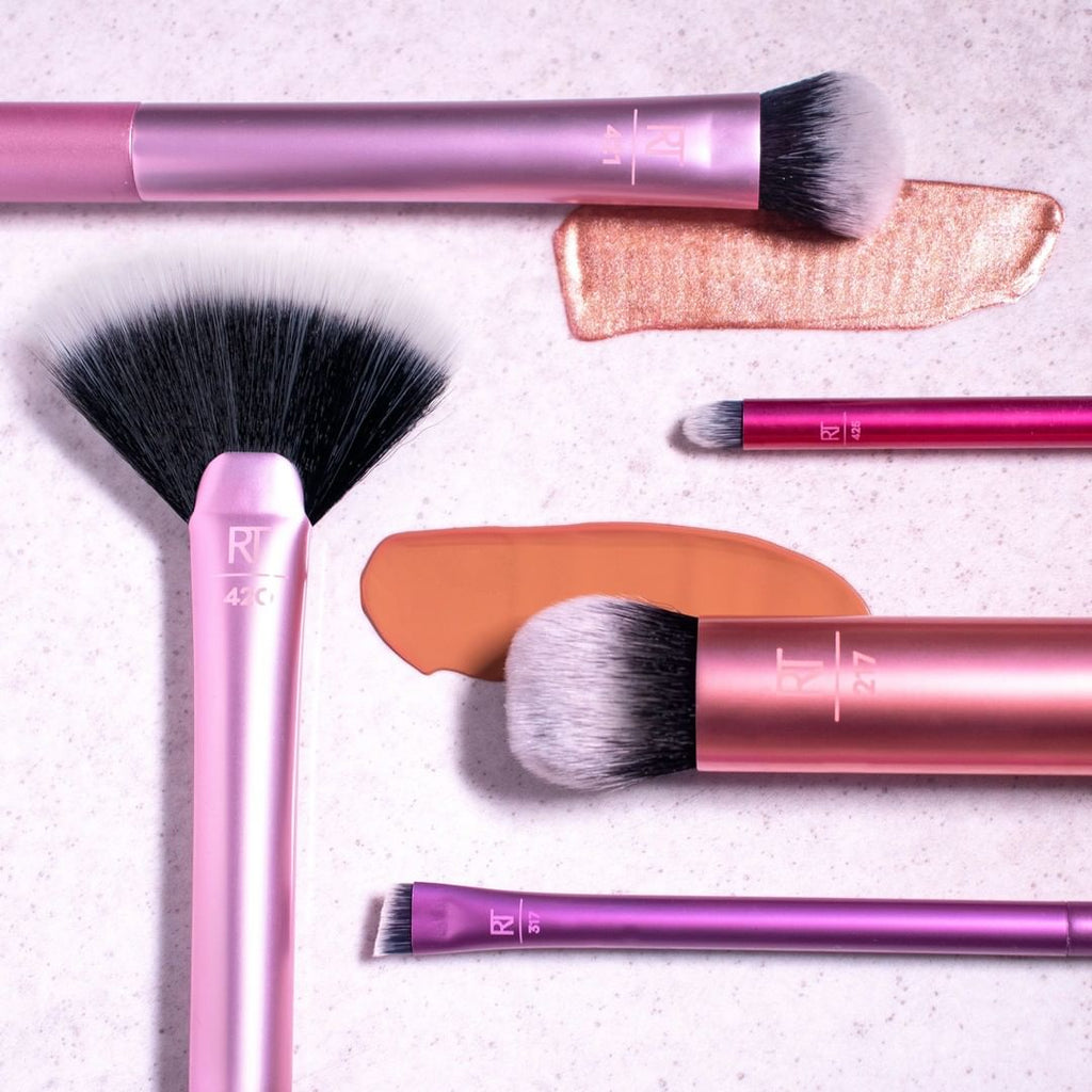 Real techniques makeup brush kits Real Techniques Artist Essential Brush Kit