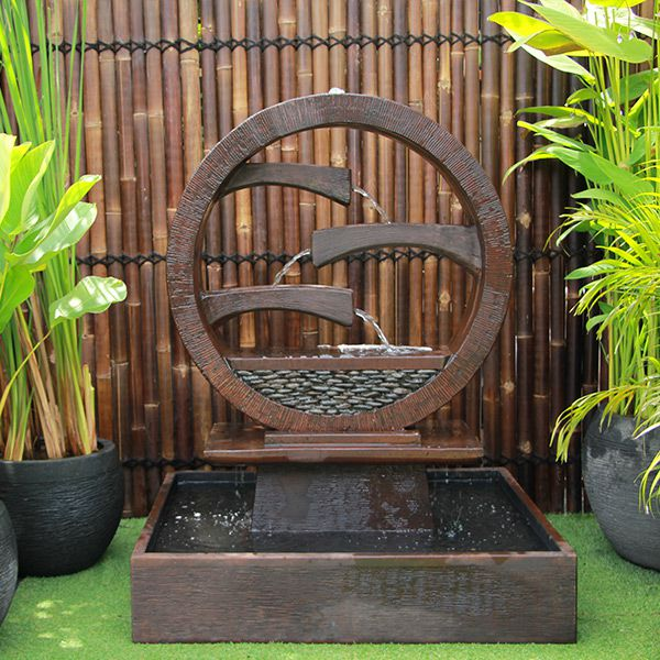 Wagon Wheel Concrete Modern Water Feature - Medium 115cm