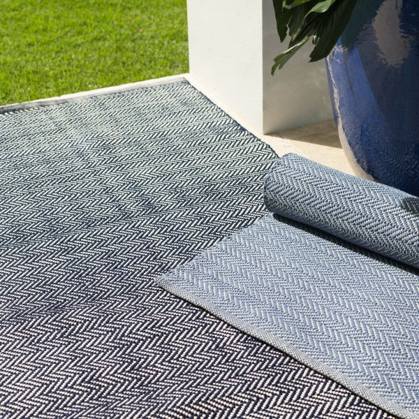 Dash & Albert Herringbone Indigo Cotton Indoor Rug | Hamptons Home