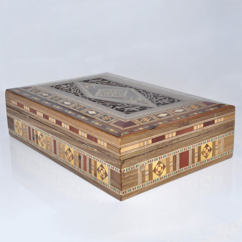 Rectangle engraved wooden box