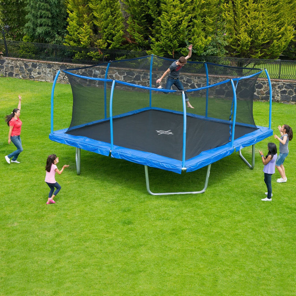 Trampoline Owners and Maintaining a Healthy Lawn