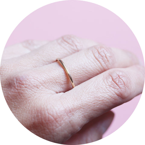 round band ring- 9ct gold