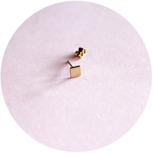 square stud earrings - 9ct gold - single or pair