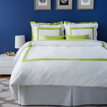 LaCozi White Hotel Collection Spring Lime Green Border Design Cotton Sateen Duvet Cover Set