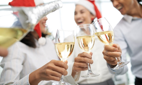 Holiday Party Etiquette: 8 Tips for Being a Good Dinner Guest