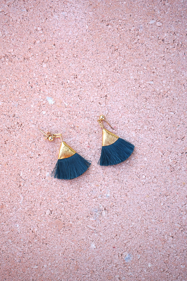 Earrings with tassels -flat - green - Evie