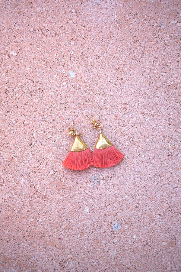 Earrings with tassels -flat - coral - Evie