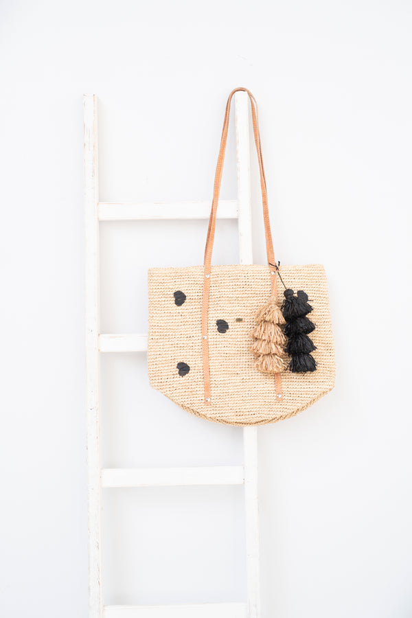 Raffia tote with black hearts and tassel - Flavia - Natural