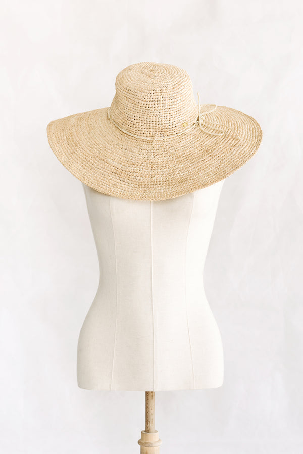 Hat made from raffia - wide brim - natural - Dreams