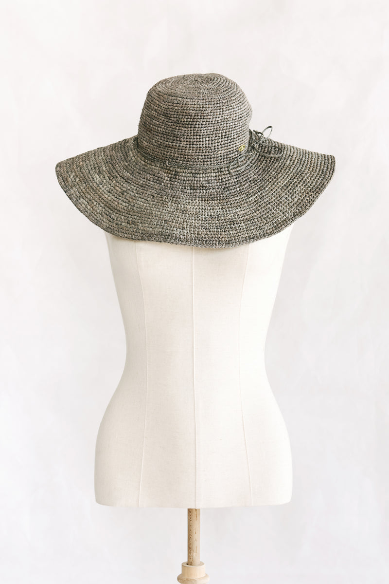 Hat made from raffia - wide brim  - grey - Mantasoa