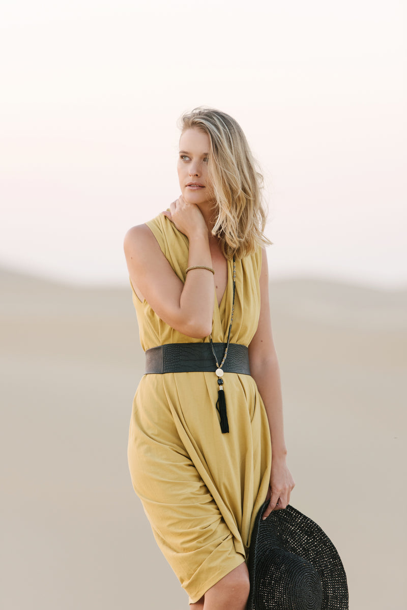 Wrap around waist belt - camel leather - black